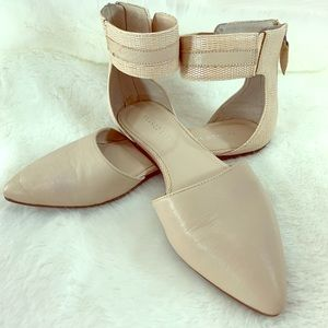 Franco Sarto Pointy Toe Flats Ankle Straps Sz 8.5